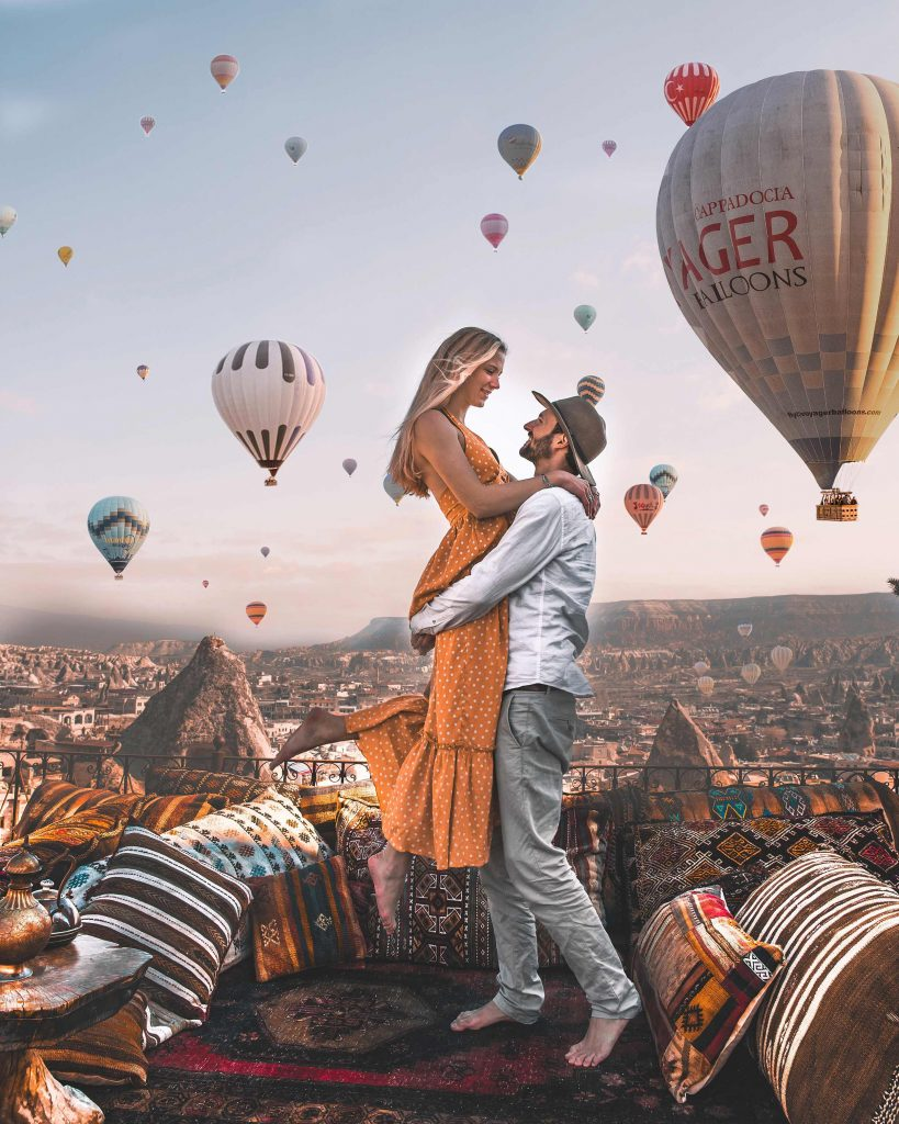 https://travelinyourarms.com/wp-content/uploads/2019/04/cappadocia-3-day-route-guide-chasing-hot-air-balloons-1-819x1024.jpg